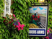 loders-arms